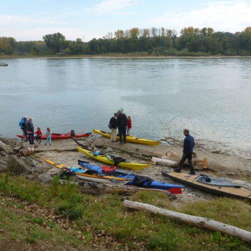 TID-Treffen 2018 Hainburg 26.10.2018 Abfahrt von Orth  Es gab in Hainburg abends ein nettes Treffen und am 27. zT Bootsfahren, eine Gruppe wanderte auf den Braunsberg.