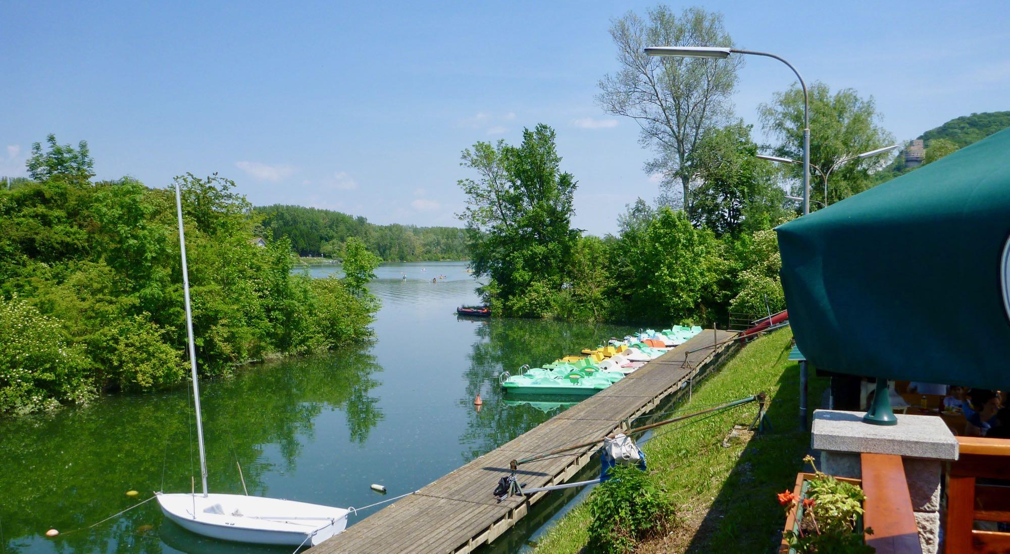 Hinaus, der Donaualtarm Greifenstein, übertragen und dann in die Donau